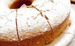 Cake with powdered sugar,ciambellone